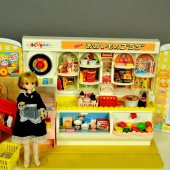 AB 82-11 Licca-chan and Supermarket