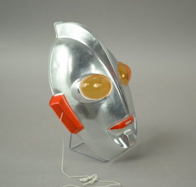 2006.X.112 Ultraman mask (side)